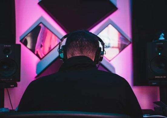 headphones for metal music